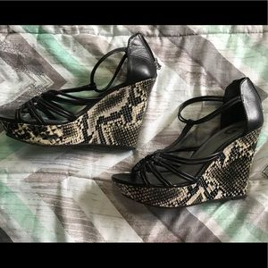 Black Guess Wedges with Snakeskin Design
